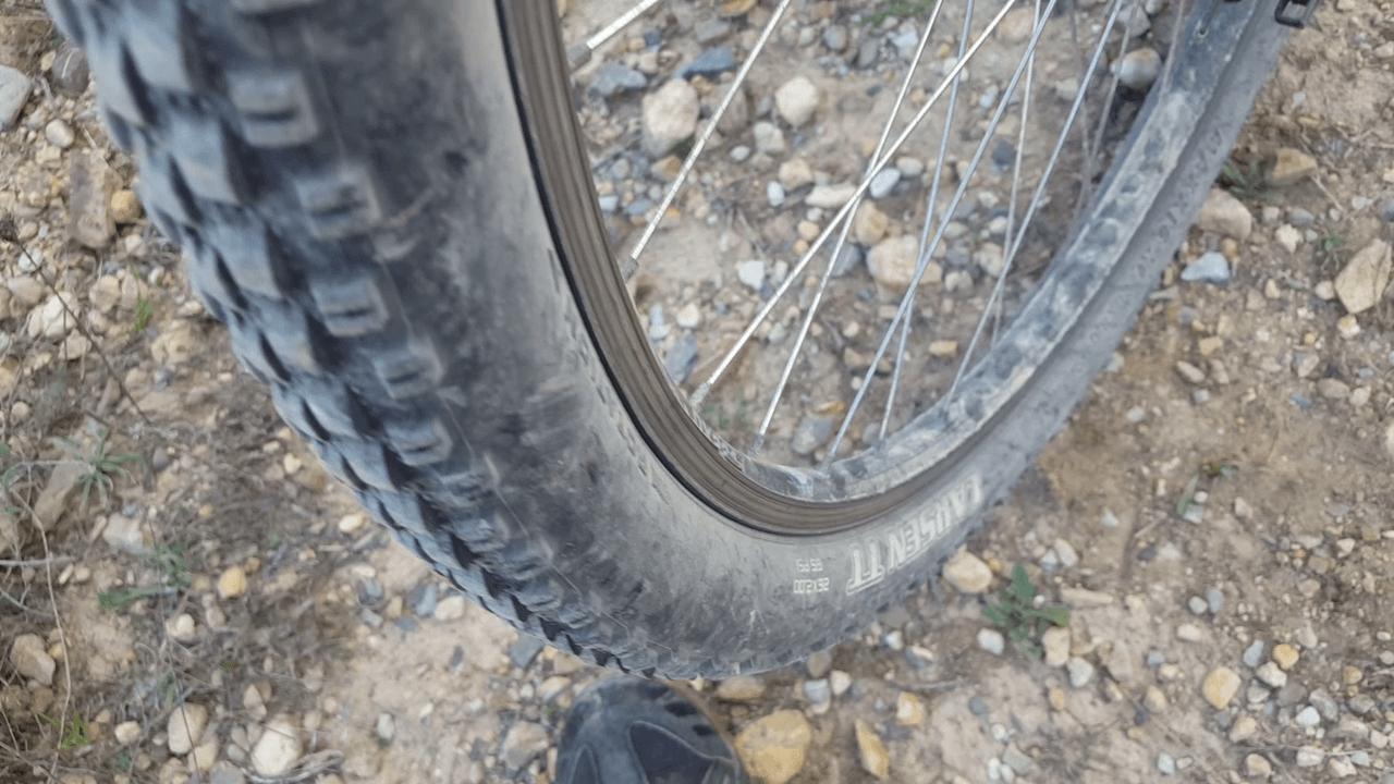 Cómo elegir las cubiertas o neumáticos para tu bicicleta de montaña MTB