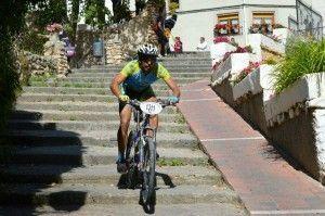 Descendiendo escaleras en marcha de Letur