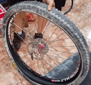 Tubelizar rueda - Quitar cubierta