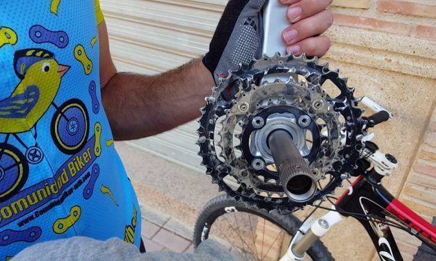 Cómo limpiar y engrasar un eje pedalier Shimano Hollowtech de bicicleta de montaña