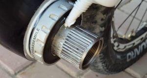 Limpieza y engrase del eje pedalier - Engrasar eje pedalier