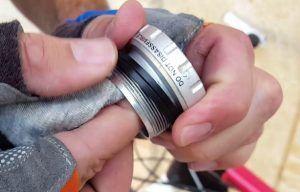 Limpieza y engrase del eje pedalier - Limpiar las cazoletas