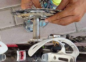 Limpieza y engrase del eje pedalier - Retirar eje pedalier