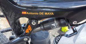 Amortiguador central y sistema basculante bicicleta KTM