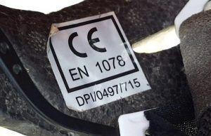 Pegatina de homologación del casco