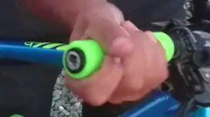Poner puños neuvos bicicleta - Introducir haciendo presión