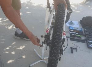 Cambiar la corona o casette de piñones de la bicicleta por una nueva