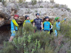 Ciclismo de exploración con nuevas cuevas en Coto Cuadros y Calvario Grande por Comunidad Biker MTB