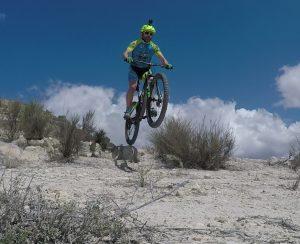 Salto MTB BTT del comunitario Pedro203 en la Pedrera en el Rellano por Comunidad Biker MTB