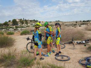 Cruda realidad con avería mecánica en freno de disco de la comunitaria María por Comunidad Biker MTB