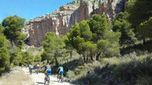 Paredes del Caramucel en la Sierra de la Pila de Blanca por Comunidad Biker MTB